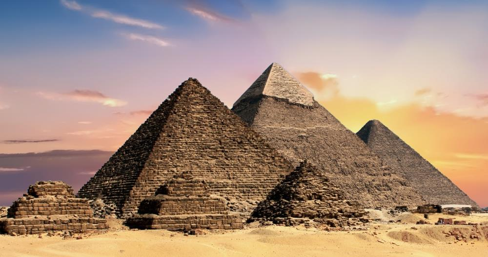 Are the pyramids really machines?